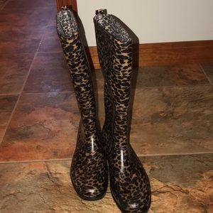 Shoes - Cheetah rain boots 😍